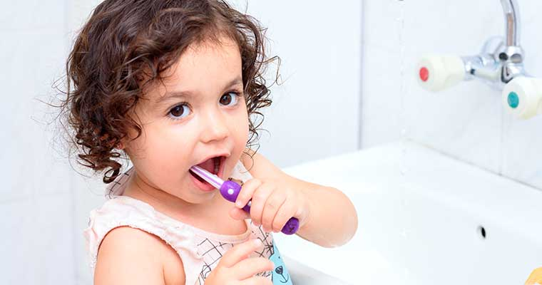How to take care of your toddler's teeth