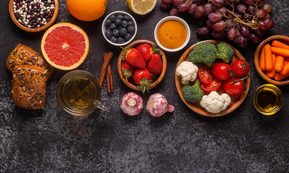 How acidic foods affect teeth